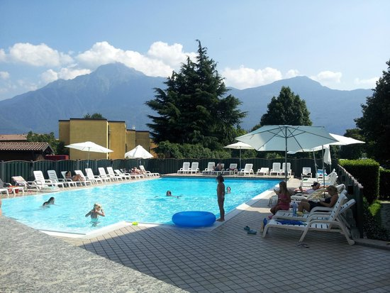 Hotel Camping Europa: Piscina