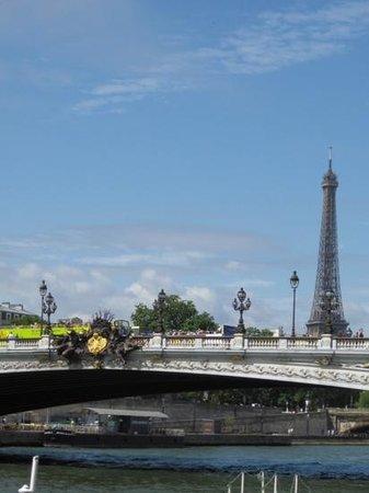 Pont Alexandre III: Bridge with a view :)