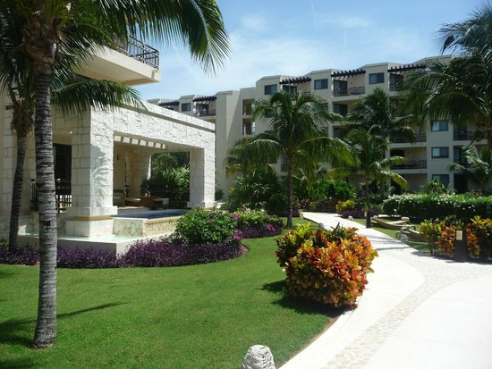 Dreams Riviera Cancun Resort & Spa: Nice room if you can afford this one