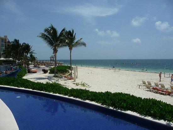 Dreams Riviera Cancun Resort & Spa: Beautiful Beach