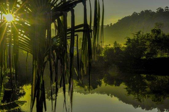 Bangpling Nature : Рассвет над озером