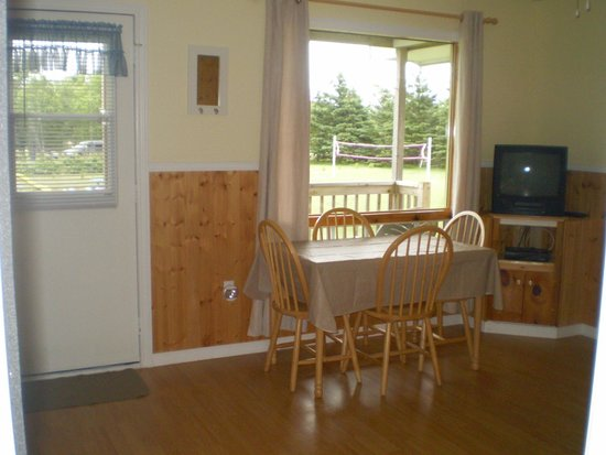 Fiddlers Green Country Cottages: Living room