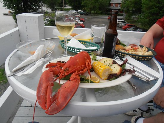 Finch & Chubb Inn and Waterfront Restaurant: Lobster Dinner - Yummy & Great Drinks