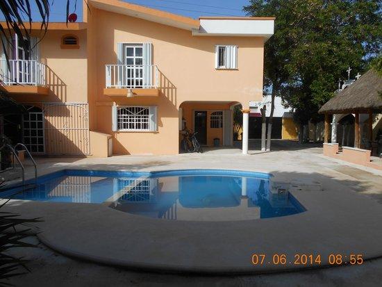 Hacienda del Sol : Pool side/Hostel/bikes