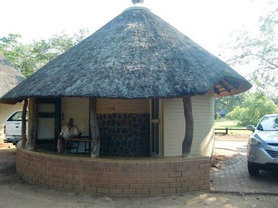 Satara Rest Camp: Rondavel nr. 158 (april 2014)