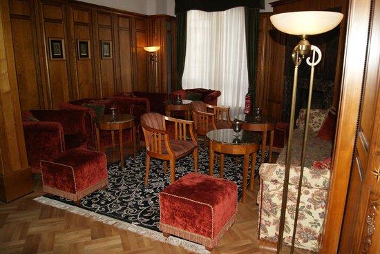 Hotel Palmenwald Schwarzwaldhof: Vorraum vom Speisesaal