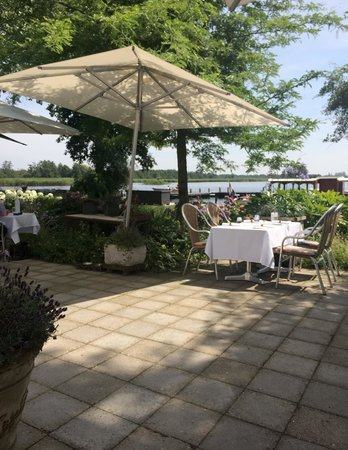 Restaurant Hotel de Watergeus : Table with a view
