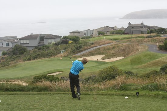 The Links at Bodega Harbour : Nice views .. one of the more straightforward holes !