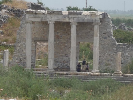 Miletus: shelter from the heat!