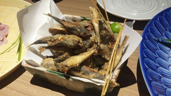 Mangetsu: Fried small fish