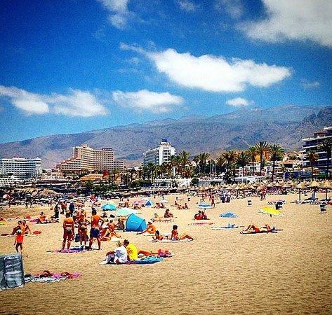 Apartamentos Playazul: 5 minute walk to the beach