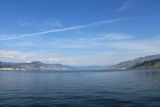 Summerland Waterfront Resort & Spa : Right at the shores of Lake Okanagan