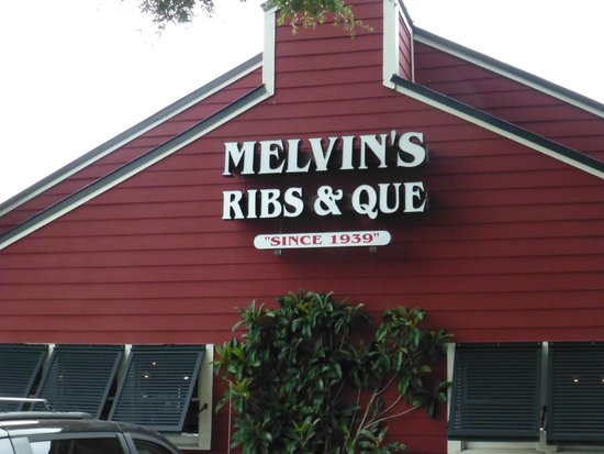 Melvin's BBQ: Outside view