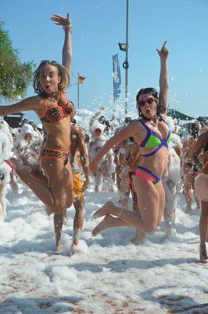 Limak Atlantis Deluxe Hotel & Resort : foam party