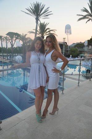 Limak Atlantis Deluxe Hotel & Resort : White party