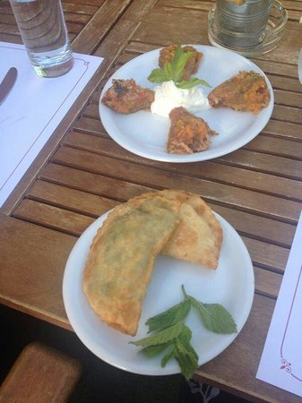 Talos Restaurant: Stuffed zucchini flower and filo pastry with cheese and herbs