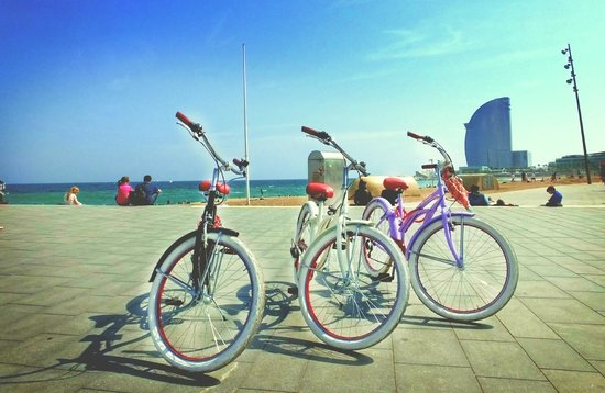 Luggage Point & Rent a Bike: Barceloneta
