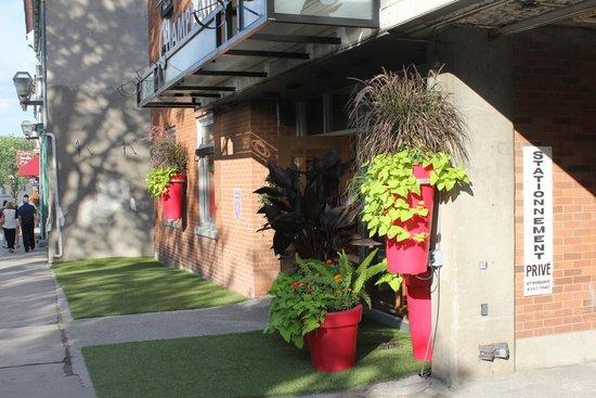 Le Champlain Hotel : Entry