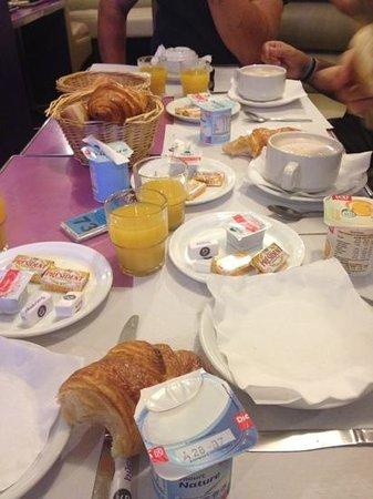 Super Hotel: colazione