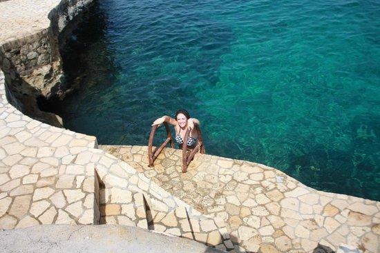 Samsara Cliffs Resort: Swimming in the sea