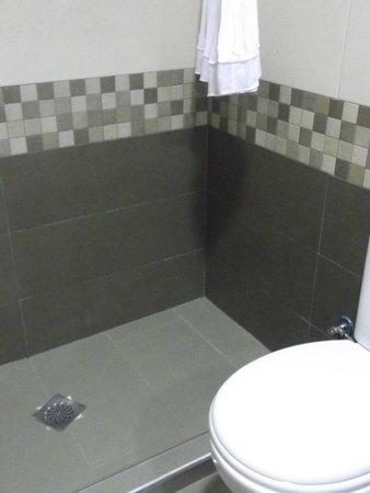 Hotel Puente Real: Bathroom