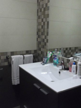 Hotel Puente Real: Bathroom
