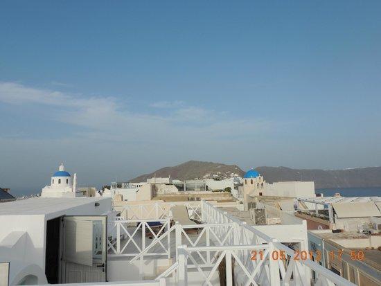 The Museum Spa Wellness Santorini Hotel: Vista do nosso quarto