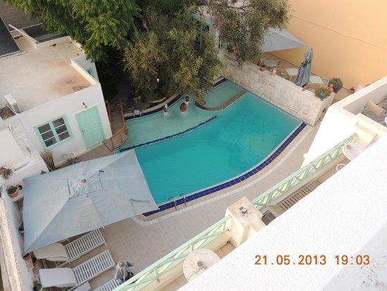 The Museum Spa Wellness Santorini Hotel: Piscina