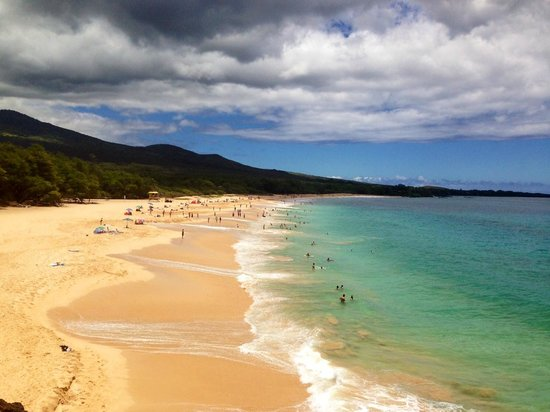 Oneloa Beach: From the hill to Little Beach