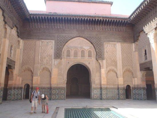 Ben Youssef Madrasa: Grande porte