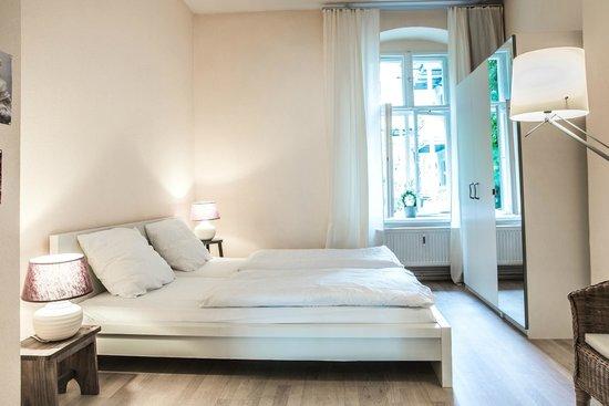 Schoenhouse Apartments: Friends Suite