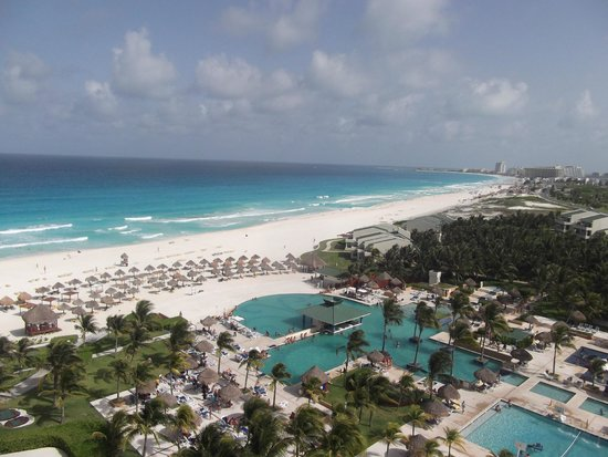 Iberostar Cancun: View from our 6th floor room