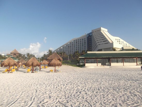 Iberostar Cancun: View of hotel from beach