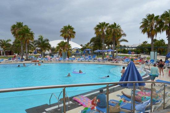 THB Tropical Island : pool