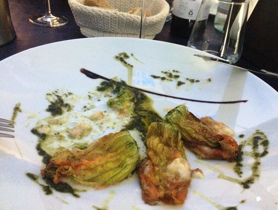Hotel San Ranieri: zucchini flowers