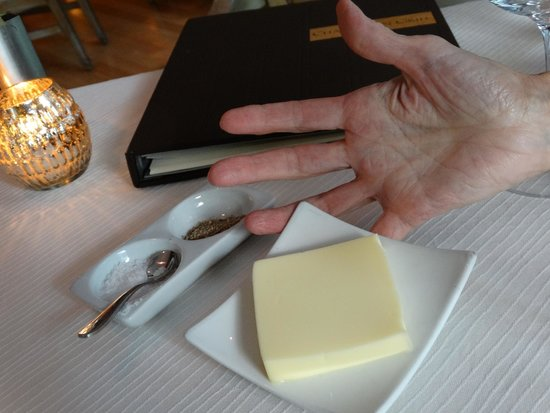 Charleston Grill: Yes - plenty of butter ;-)