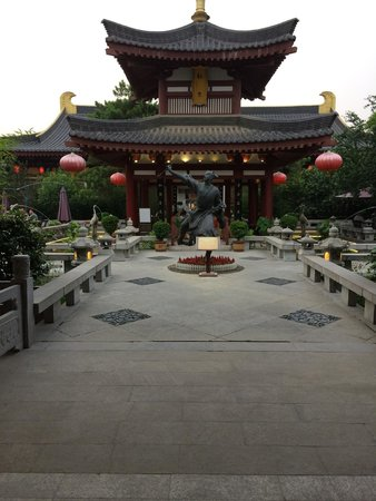 Another Courtyard Picture Of Tang Dynasty Art Garden