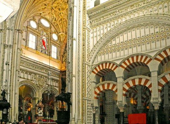 Moschee-Kathedrale (Mezquita de Córdoba): Schnittstelle Moschee-Kathedrale
