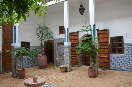 Equity Point Marrakech Hostel : central area