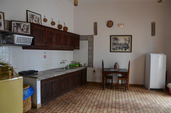 Equity Point Marrakech Hostel : kitchen