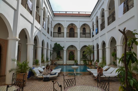 Equity Point Marrakech Hostel: central courtyard and pool