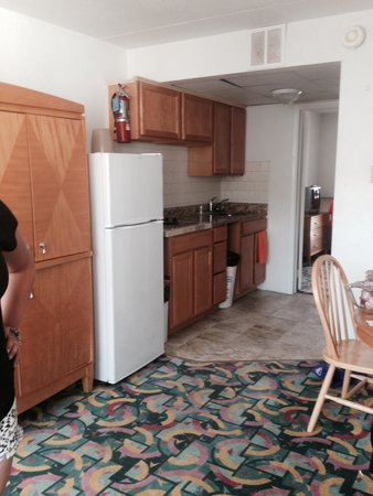 Premiere Motor Inn: Kitchenette in A unit