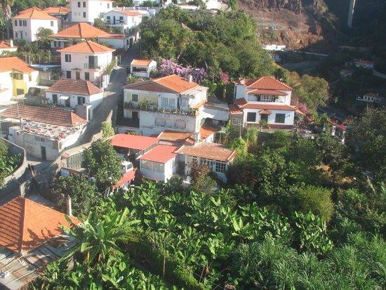 Téléphérique de Funchal : View of suburbs from Cable Car