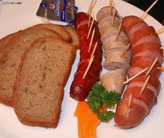 Restaurant Steinbock: Various Sausages with German Bread