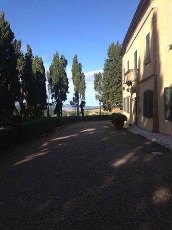 Villa Poggiano : View of main building and countryside