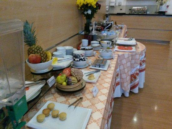 Nippon Hotel: Café da manhã