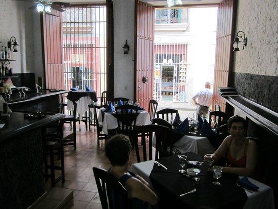 El Rum Rum de la Habana: Interior view