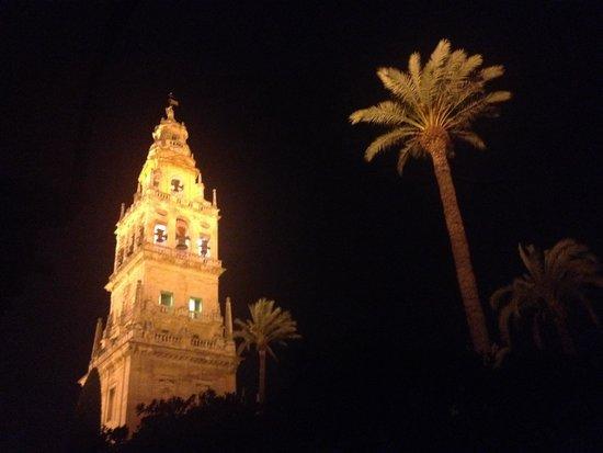 Mezquita-Catedral de Córdoba: Exterior de la mezquita