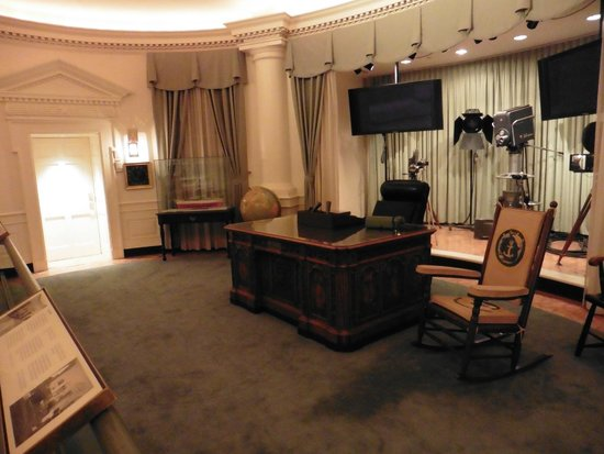 john f kennedy oval office. John F. Kennedy Presidential Museum \u0026 Library: JFK\u0027s Oval Office F