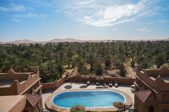 Riad Nezha: pool and views
